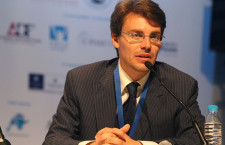 Президент АЦ «Семейная политика.РФ» представляет  Центр на VI Всемирном Конгрессе Семей в Мадриде